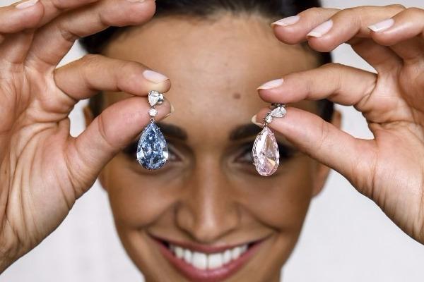 Δείτε τα σκουλαρίκια που πουλήθηκαν έναντι 51,5 εκατ. ευρώ!